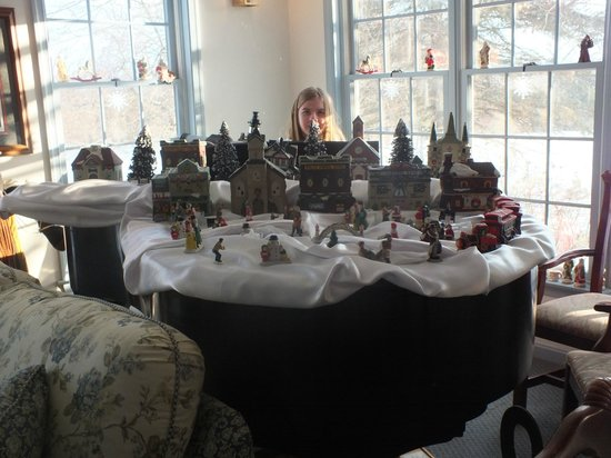 Battlefield Bed and Breakfast Inn: Beautiful Christmas decorations