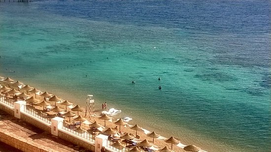 Jaz Fanara Resort & Residence : mare davanti all'hotel
