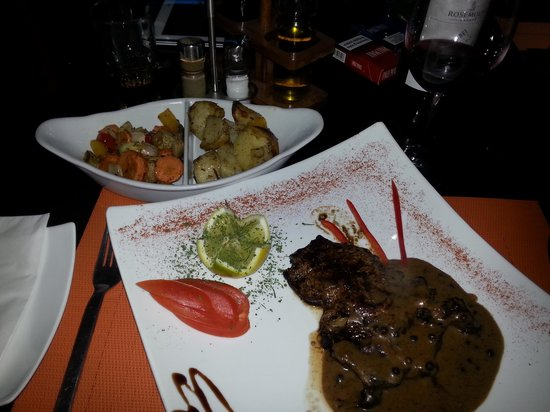 C Seven Restaurant: nice rib w