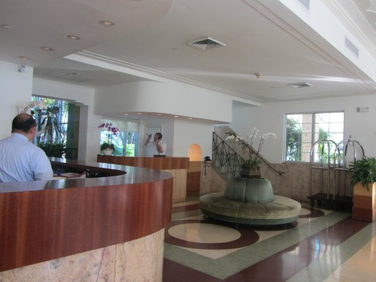 The Hotel of South Beach: Reception desk and concierge