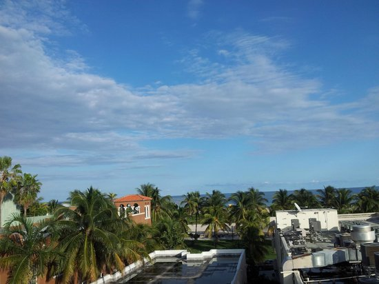 The Hotel of South Beach : View from roof top pool
