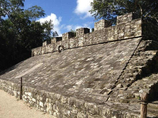 Ruinas de Coba: Ball court (or Mayan Quidditch)
