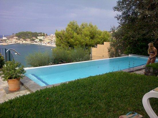 Esplendido Hotel: Infinity pool