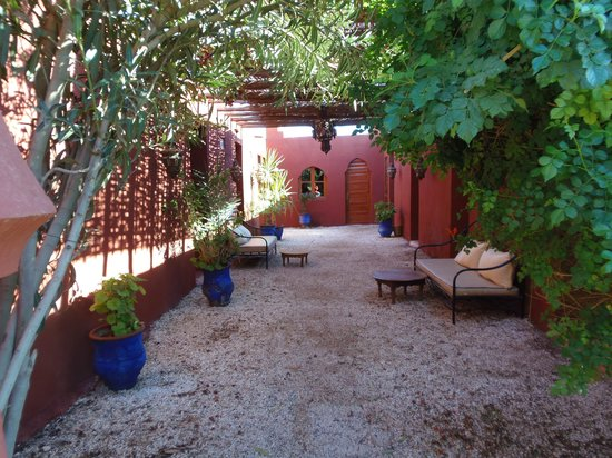 Le Relais de Marrakech : photo of courtyard outside rooms
