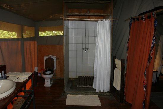 Tarangire River Camp: Bath