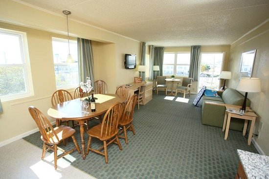 Camelot Motel : We offer simple, affordable accommodations