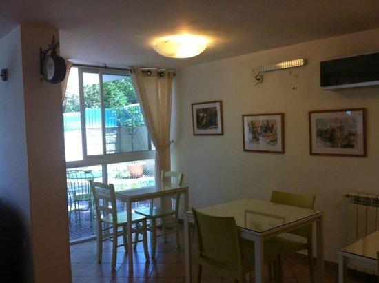 Eden Jerusalem Hotel: Notre table pour les petits-déjeuner