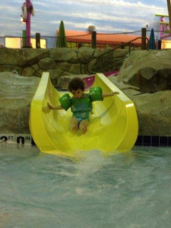 KeyLime Cove Indoor Waterpark Resort : My daughter on one of the kiddie pool water slides.