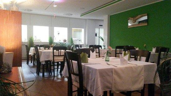Restaurant und offene Küche - Bild von Kräuterküche am Turmcafé ...