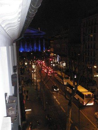 Hotel Massena: zicht vanuit ons kamer op la madellein