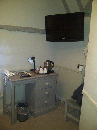 The Spread Eagle Hotel: TV Desk