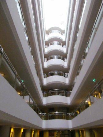 A-One Bangkok Hotel: hall des chambres