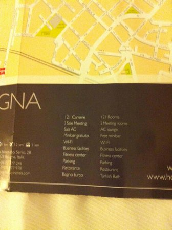AC Hotel Bologna: Card in room advertising free minibar