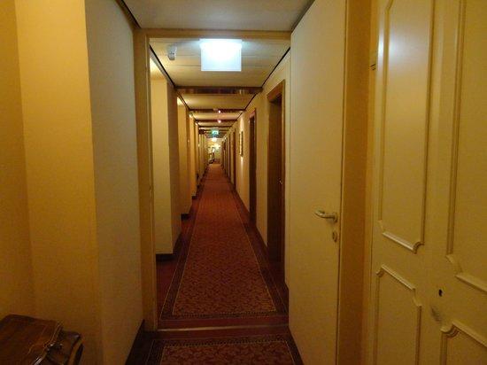 Hotel Stefanie : corridor
