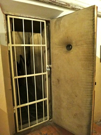 KGB Museum (Genocido Auku Muziejus): Padded Chamber Cell