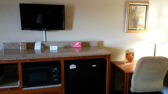 Red Roof Inn & Suites Pigeon Forge - Parkway: our tv