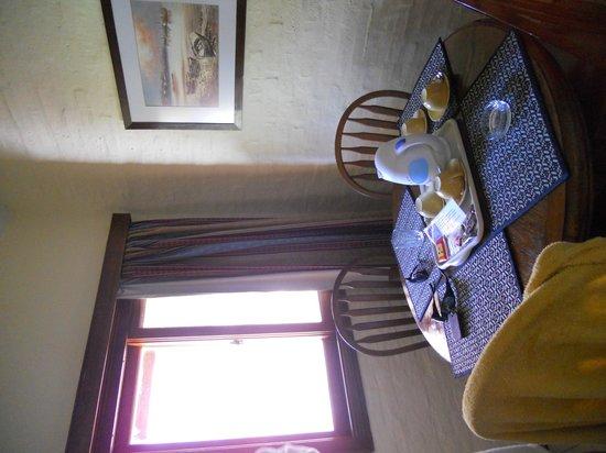 Arapey Oasis Termal: Mesa dentro de la habitación