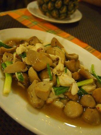 Baanthai Seafood Restaurant: crab meat with mushrooms
