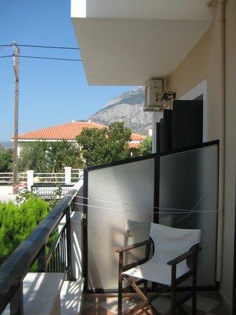 Aphrodite Hotel & Suites: Balcony area
