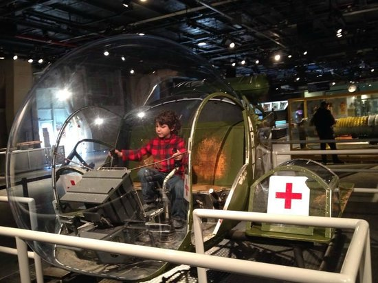 Intrepid Sea, Air & Space Museum: helicóptero usado para resgate de feridos