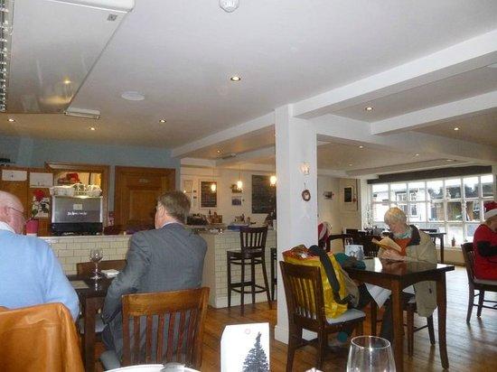 Chapman's Seafood Bar & Brasserie: Inside