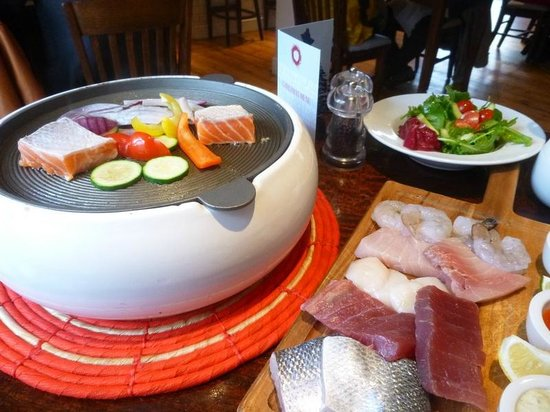 Chapman's Seafood Bar & Brasserie: Let cooking commence!
