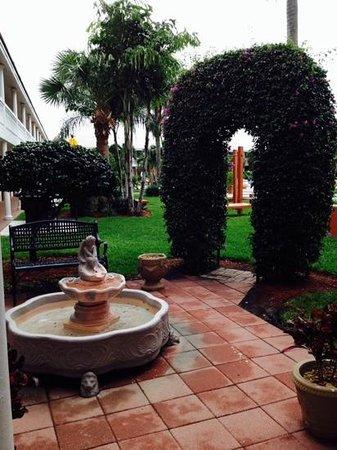 Best Western Palm Beach Lakes Inn: hotel