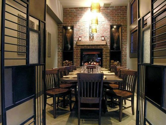 Boomtown Pub and Patio: Boomtown Cage, book for private dinner
