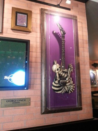 Hard Rock Cafe: George lynch ;-)