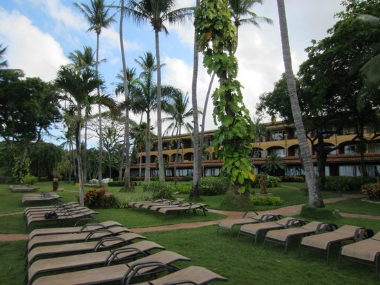 Hotel Tamarindo Diria: Sunset Ocean View rooms and ocean-front sitting areas