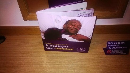 Premier Inn London Croydon South (A212) Hotel : Guest room 16/12/13