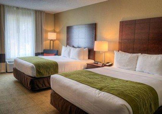 Comfort Inn: Guest room with 2 Queen beds
