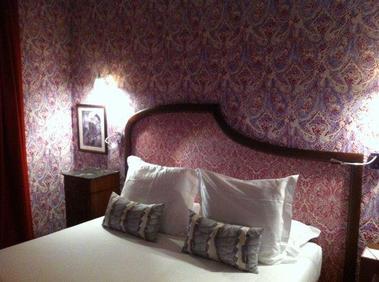 Hotel Joséphine by HappyCulture : Cama