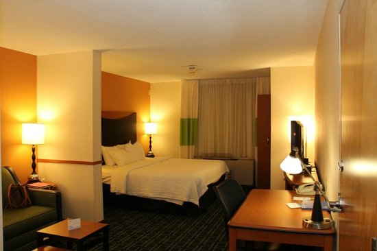 Fairfield Inn & Suites White River Junction: Nice Bedding