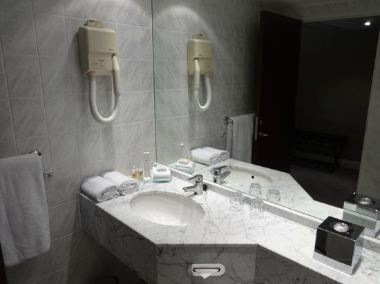 Millennium & Copthorne Hotels at Chelsea Football Club: Twin room 1308
