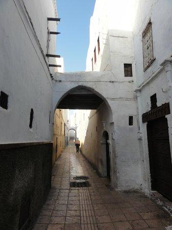 Art Riad: Medina's small corridors
