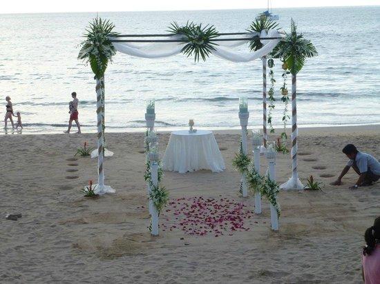 Khaolak Bayfront Resort Hotel Khao Lak: Wedding preparation nearly complete!
