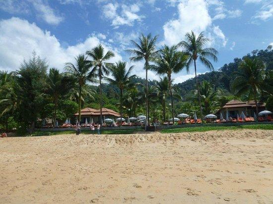 Khaolak Bayfront Resort Hotel Khao Lak: Hotel from the beach