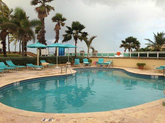 Condado Lagoon Villas at Caribe Hilton: Private pool area at the Lagoon Villas