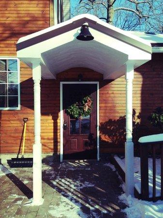 Goldberry Woods Bed & Breakfast Cottages : Front door of the Inn