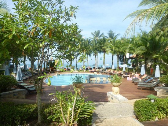 Khaolak Bayfront Resort Hotel Khao Lak: Lower pool daytime
