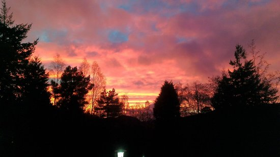Hilton Grand Vacations Club at Craigendarroch Lodges: Last night of our stay and we got a gorgeous sunset!