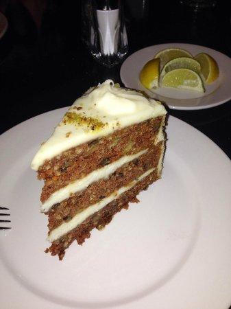 Sheraton North Houston at George Bush Intercontinental : carriott cake!