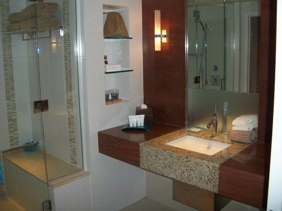 The Water Club by Borgata : Bathroom