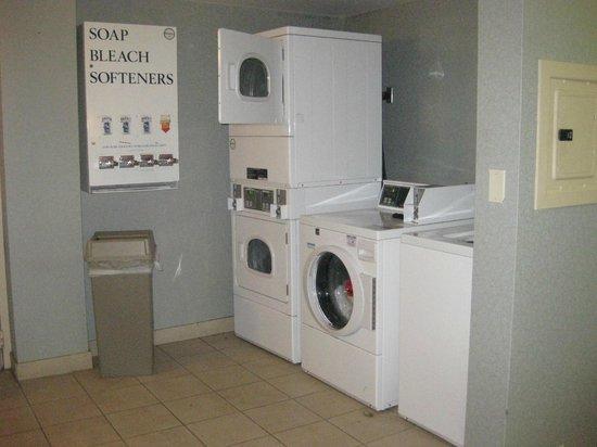 Holiday Inn Los Angeles International Airport : laundry area