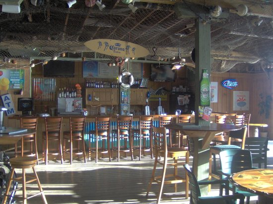 Coconut Mallory Resort And Marina: bar