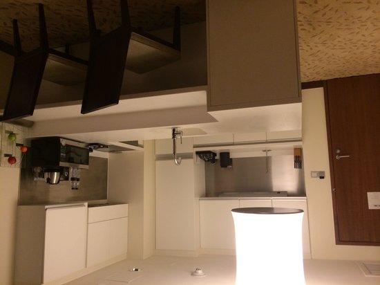 Address Dubai Mall: Full kitchen