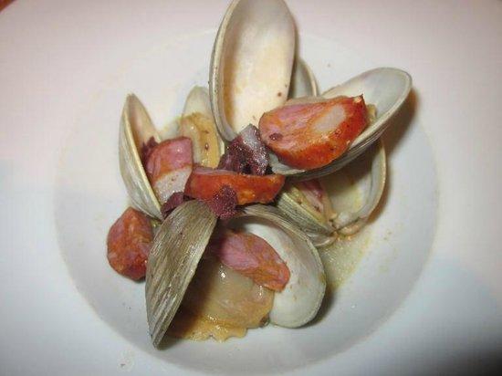 aldea : Mélange clams et charcuterie très intéressant
