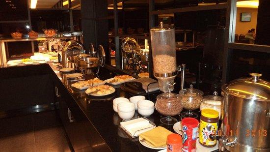 Hotel Granada : desayuno incluido