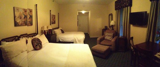 The Martha Washington Inn and Spa : Two bed room